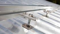 Estructura de soporte para tejado inclinado / para cubierta de tejas / para techo / para aplicaciones fotovoltaicas