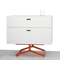 Mesa de noche / moderna / de madera lacada / de MDF
