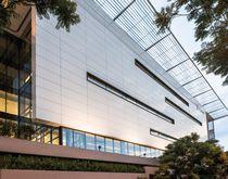 Revestimiento de fachada de cerámica / liso / para fachada ventilada