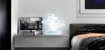 Lámpara de mesa / de diseño original / de plástico / de interior