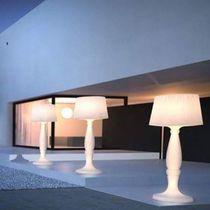 Lámpara de pie / moderna / de plástico / de interior