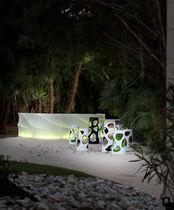 Bar de jardín luminoso