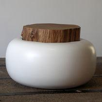 Mesa de centro de diseño original / de roble / de resina / redonda