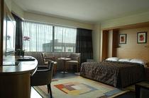 Habitación de hotel moderna / modular