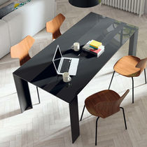 Mesa de comedor moderna / de madera / de cerámica / de vidrio lacado
