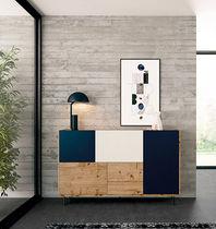 Aparador moderno / de madera lacada / de roble