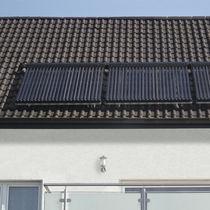 Colector solar térmico de tubos de vacío / para calefacción / de vidrio antirreflejos / para tejados
