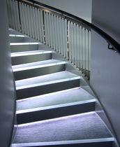 Escalón de vidrio / con LED integrados