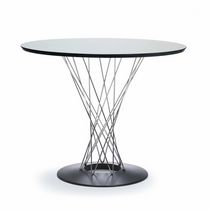 Mesa de comedor moderna / de hierro fundido / redonda / de Isamu Noguchi