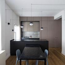 Cocina moderna / de acero / de material laminado / de piedra