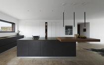 Cocina moderna / de madera / con isla