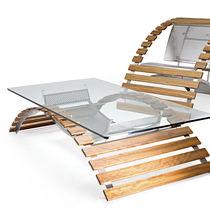 Mesa de centro / de diseño original / de iroko / de vidrio templado