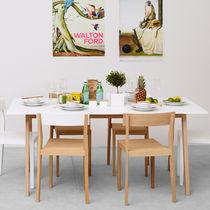 Mesa de comedor moderna / de roble / de MDF / de madera pintada