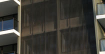 Celosía con lamas de aluminio / de malla metálica / para fachada