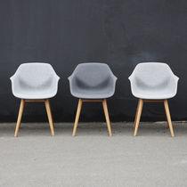 Sillón moderno / de madera / de acero con revestimiento en polvo / de material compuesto