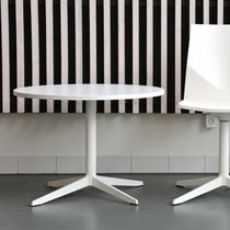Mesa moderna / de material laminado / de aluminio / redonda
