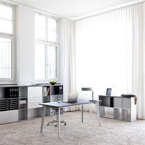 Mesa de trabajo moderna / de metal / cuadrada / para oficina