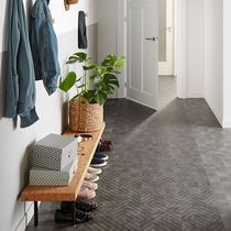 Pavimento de vinilo / residencial / en láminas / texturado