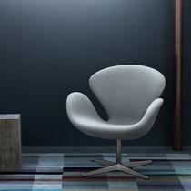 Sillón de diseño escandinavo / de tela / de acero / de cuero