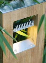 Bolardo de iluminación de jardín / moderno / de metal / LED