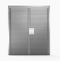 Puerta de entrada / abatible / de aluminio / para edificio público
