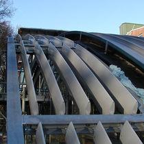Celosía con lamas de aluminio / para fachada / para techado / para ventana