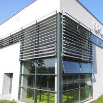 Celosía con lamas de aluminio / para fachada / vertical / rígida