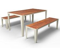 Conjunto de mesa y banco moderno / de metal / en MDF estratificado / de exterior