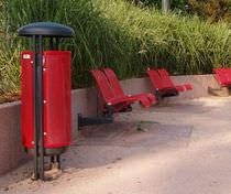 Cubo de basura público / de metal / con cenicero integrado / moderno