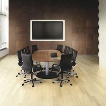 Mesa de reuniones moderna / de madera / rectangular / con toma de corriente integrada