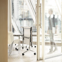 Mesa de reuniones / moderna / de resina / para uso profesional