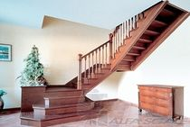 escalera en U con zancas laterales (estructura y pelda&ntilde;os de madera) MOD.A Alfa Scale