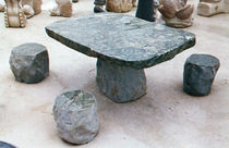 mesa de piedra moderna  The Stromberg Group