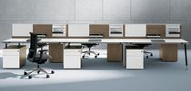 puesto de trabajo múltiple y moderno para open-space T-WORKBENCH Bene