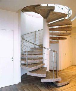 escalera de caracol peldaos de roble estructura de metal sin