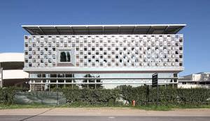 fachada ventilada de material compuesto de aluminio