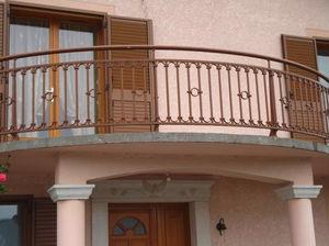 barandilla de aluminio con barrotes de exterior para escalera