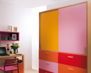 armario moderno de madera con puertas batientes para nios