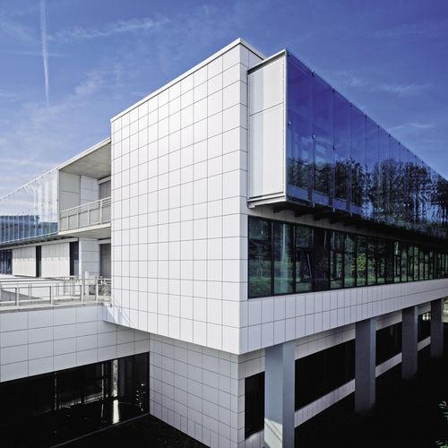Revestimiento de fachada de cerámica / liso / de panel / sostenible KERAION AGROB BUCHTAL