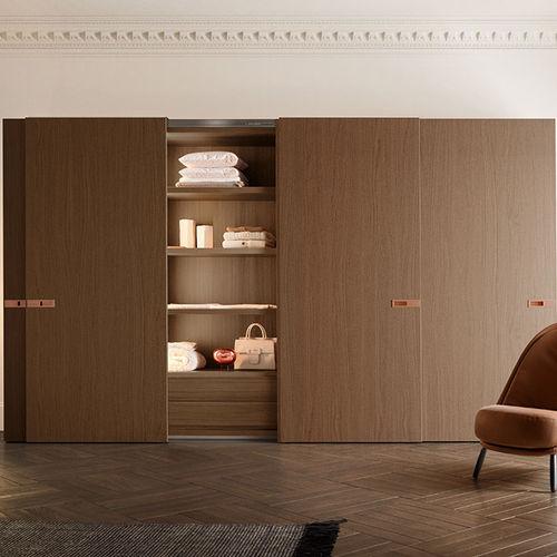 armario de esquina / moderno / de madera lacada brillante / con puertas corredizas