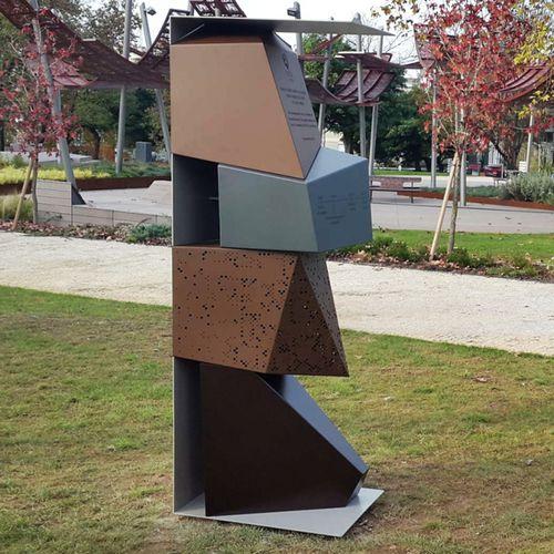 escultura de metal / de acero Corten / para espacio público / para edificio público