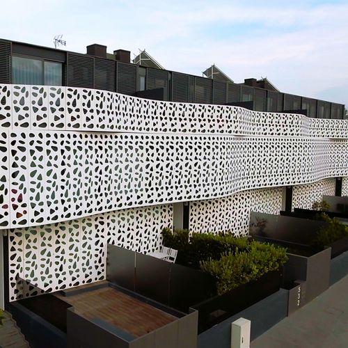 Revestimiento de fachada aluminio / lacado / perforado / de panel BPLAN