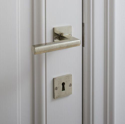 manilla de puerta / de bronce / de hierro / clásica
