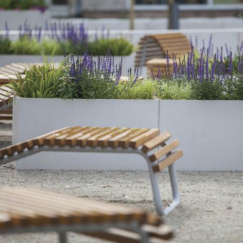 jardinera de hormigón / rectangular / moderna / para espacio público