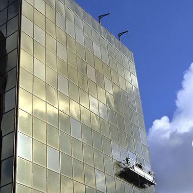 Plataforma elevadora de trabajo Systems for Building Maintenance Unit SERAPID