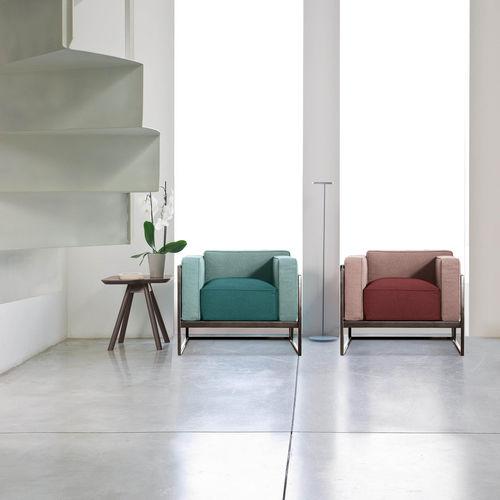 sillón moderno / de metal / de cuero / de tejido