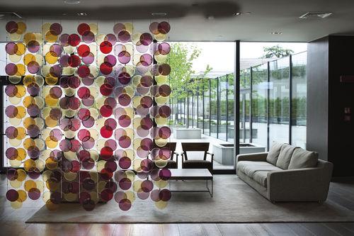 Separador de espacios de cristal de Murano / para uso residencial / profesional RGB ® CURTAIN by Massimo Brignoni veveglass