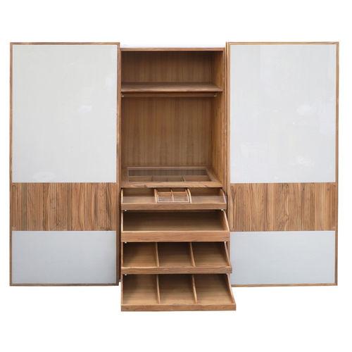 armario moderno / de madera maciza / de teca / con puertas corredizas