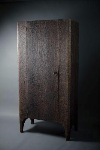 Armario clásico / de roble / con puerta abatible SF.W.7.1 SÓHA CONCEPT