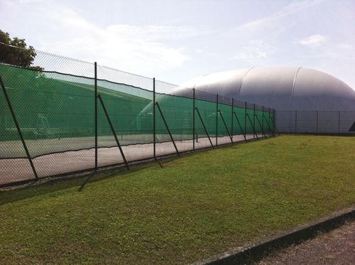 valla para campo deportivo / enrejada / de metal